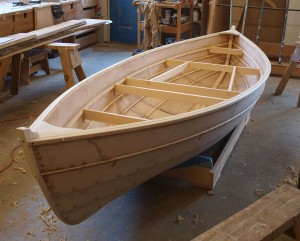 how to make a small boat of wood
